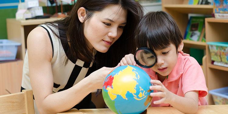 Montessori e la lezione in tre tempi